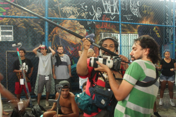 Mate Com Angu filmando curta novo no Meeting of Favela - Rafael Mazza e Antonio DMC