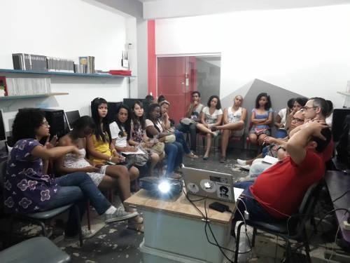 Laboratório Mate Com Angu de Cinema e Ciberativismo na Escola Livre de Cinema de Nova Iguaçu